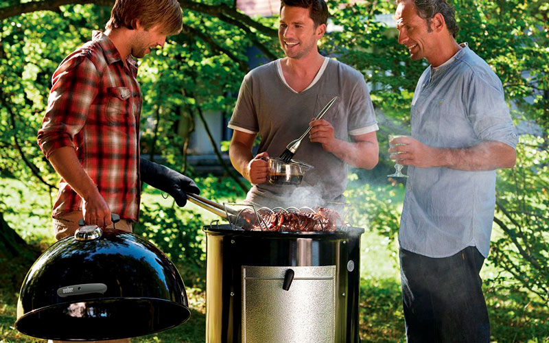 Pit Barrel Cooker vs Weber Smokey Mountain – Which is Better?