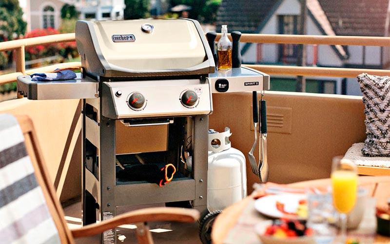 Weber Spirit vs Spirit II – All What You Need to Make a Right Choice
