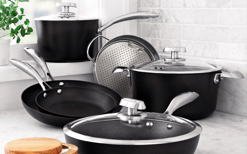 Scanpan PRO IQ vs CTX - Scanpan cookware set on the table top